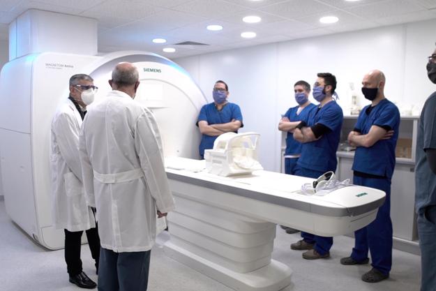 Nuevo resonador de alta precisión evitará traslados de pacientes a otras provincias